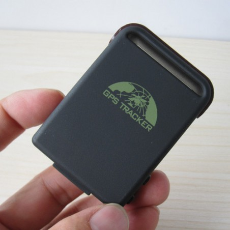 Small GPS tracker up to 7 days of tracking
